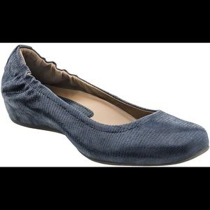 Earth Shoes Earthies women's flats, size 7.5, navy